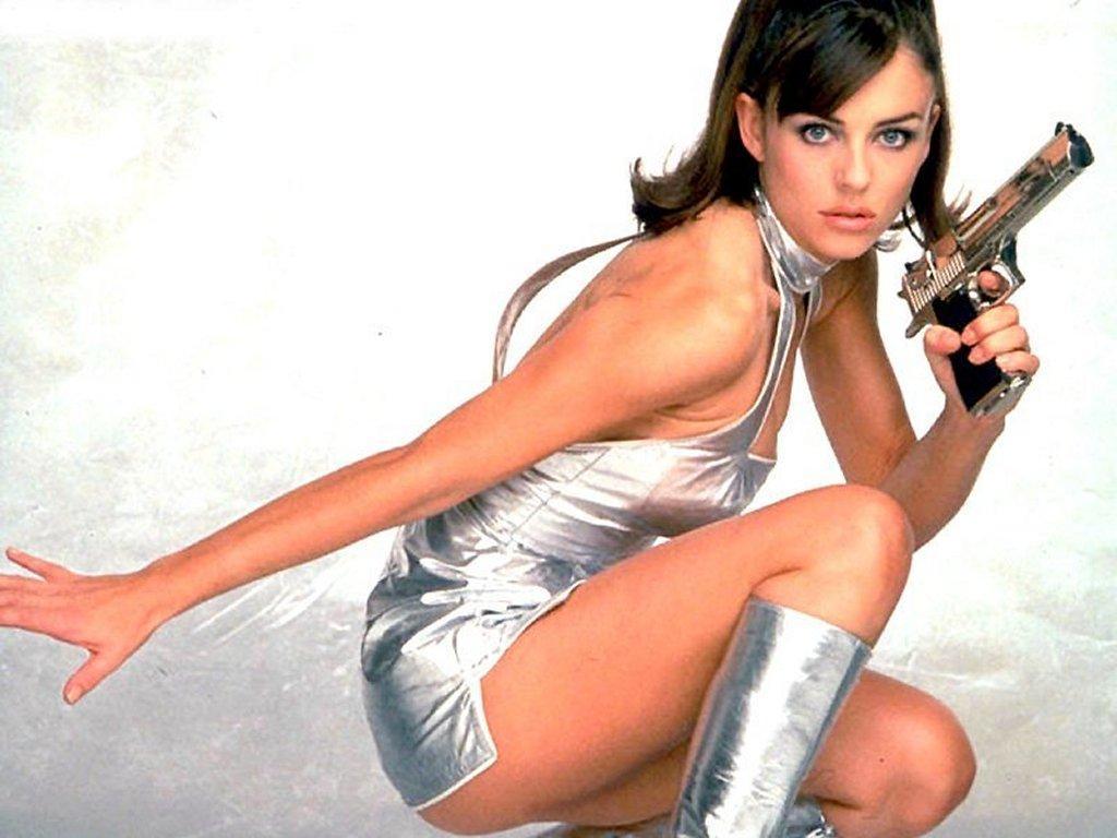 http://3.bp.blogspot.com/-FpxsmiuW5Ow/TaVSFB-HvYI/AAAAAAABTPQ/dxLZST6eQr4/s1600/elizabeth-hurley-movies%2B%25284%2529.jpg