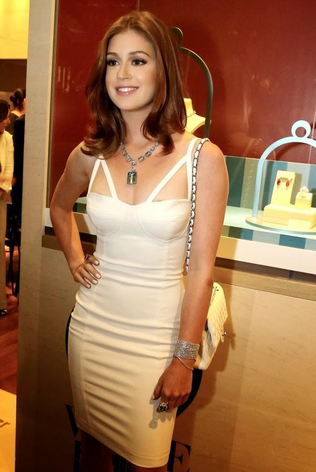 Marina Ruy full of jewels in Rio event Barbosa