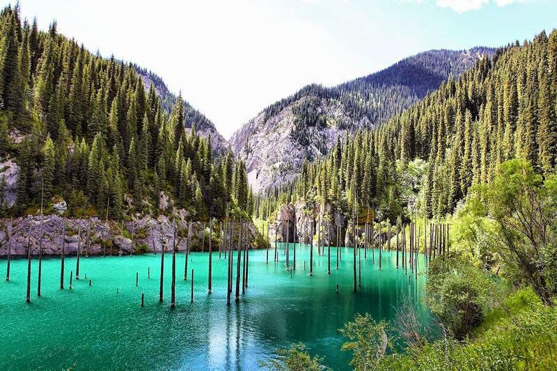 6. Lake Kaindy, Kazakhstan - 11 Mindblowing Locations You Won't Believe Are Really on Earth
