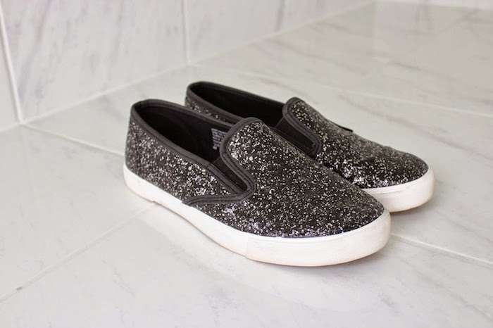 slip on glitterate