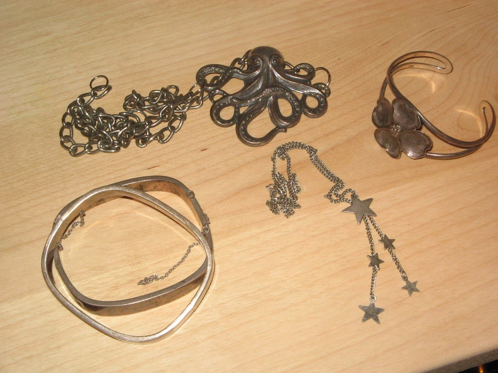 how to prevent jewelry inventory from tarnishing vouge On how to clean tarnished costume jewelry metal