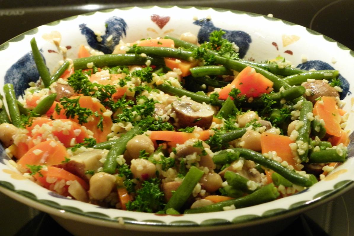 eetplezier arabische salade met gerst en gemarineerde champignons. Black Bedroom Furniture Sets. Home Design Ideas