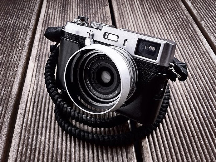 Black Bespoke strap on Fuji X100 - Photo by Courtesy of Steven