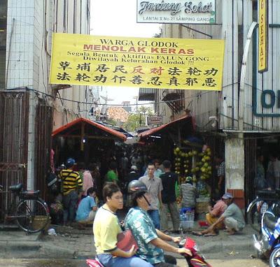Falun Gong, Sebuah Praktek Kultivasi Sesat yang Membahayakan Tionghoa 394041_230289393730333_100002478221017_457240_1398334283_n