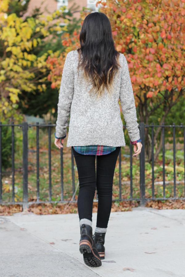 Jessica Lemos jess jesslemos abercrombie & fitch #afstlist flannel sweater skinny jeans logger boots skechers laramie 2 ombre wavy hair