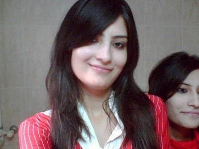 Beautiful Girls in karachi pakistan hot picture,wallpaper