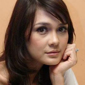 video mesum luna maya