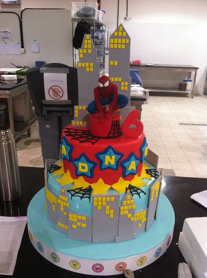character birthday cakes for boys