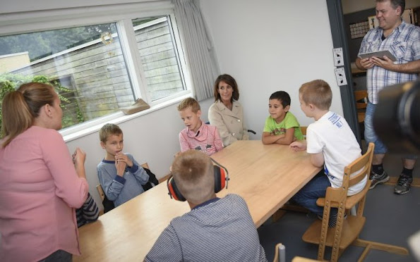 A school for children with autism and children with ADHD. Two groups of children who are entitled different, but there are still large areas where their problems coincide,