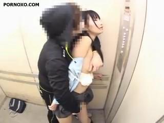 Bokep Pemerkosaan Anak SMA di Dalam Eskalator