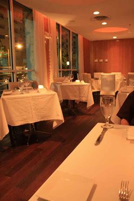Bescheiden wirkt das OLA Restaurant in Miami Beach © Copyright Monika Fuchs, TravelWorldOnline