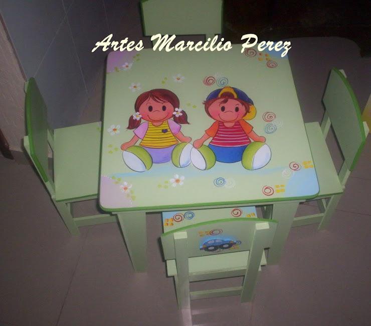mesinha Unissex com 4 cadeiras R$ 230,00