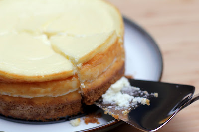 greek yogurt cheesecake recipe i serve the cheesecake topped greek ...