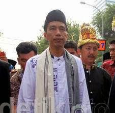 Kirab Keraton Monas Jokowi Pakai Baju Design Khusus Ala Betawi