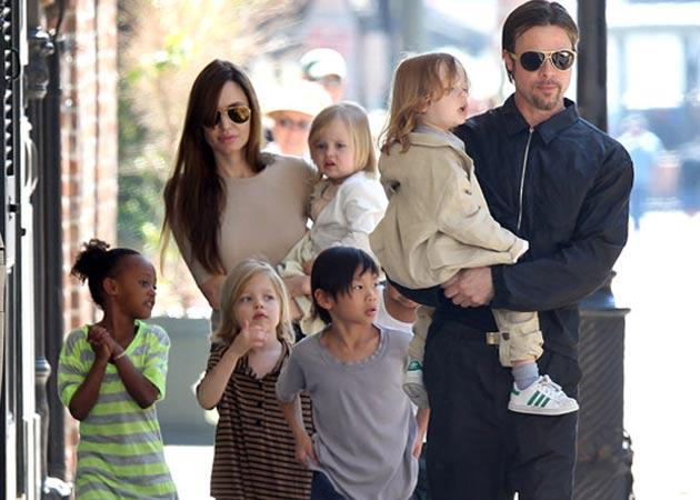 Jolie pitt kids food fight at missouri pizza parlor