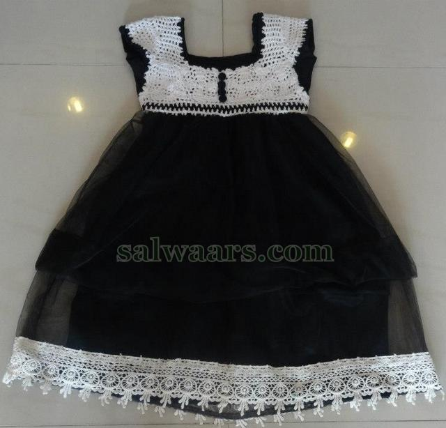Krosha Designs : designer kids frock suitable for 4 to 6 years age groups, White krosha ...