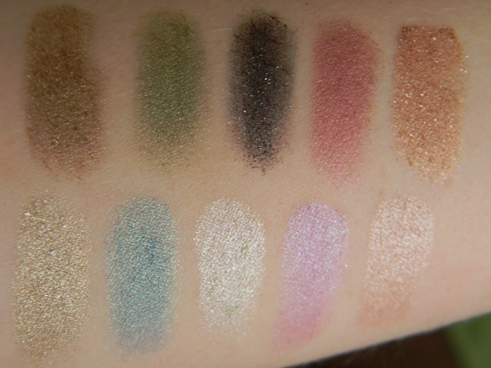 Urban Decay Ammo Palette Swatch