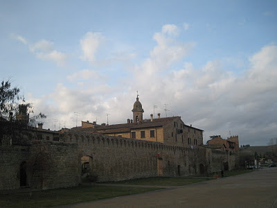 Buonconvento's town walls