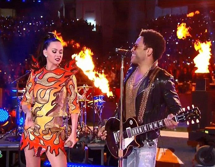 The singer setting the stage on fire as she collaborated her unstopping show with Lenny Kravitz.