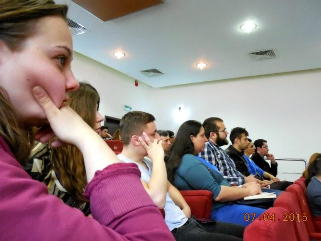 bloggeri atenti la prezentari