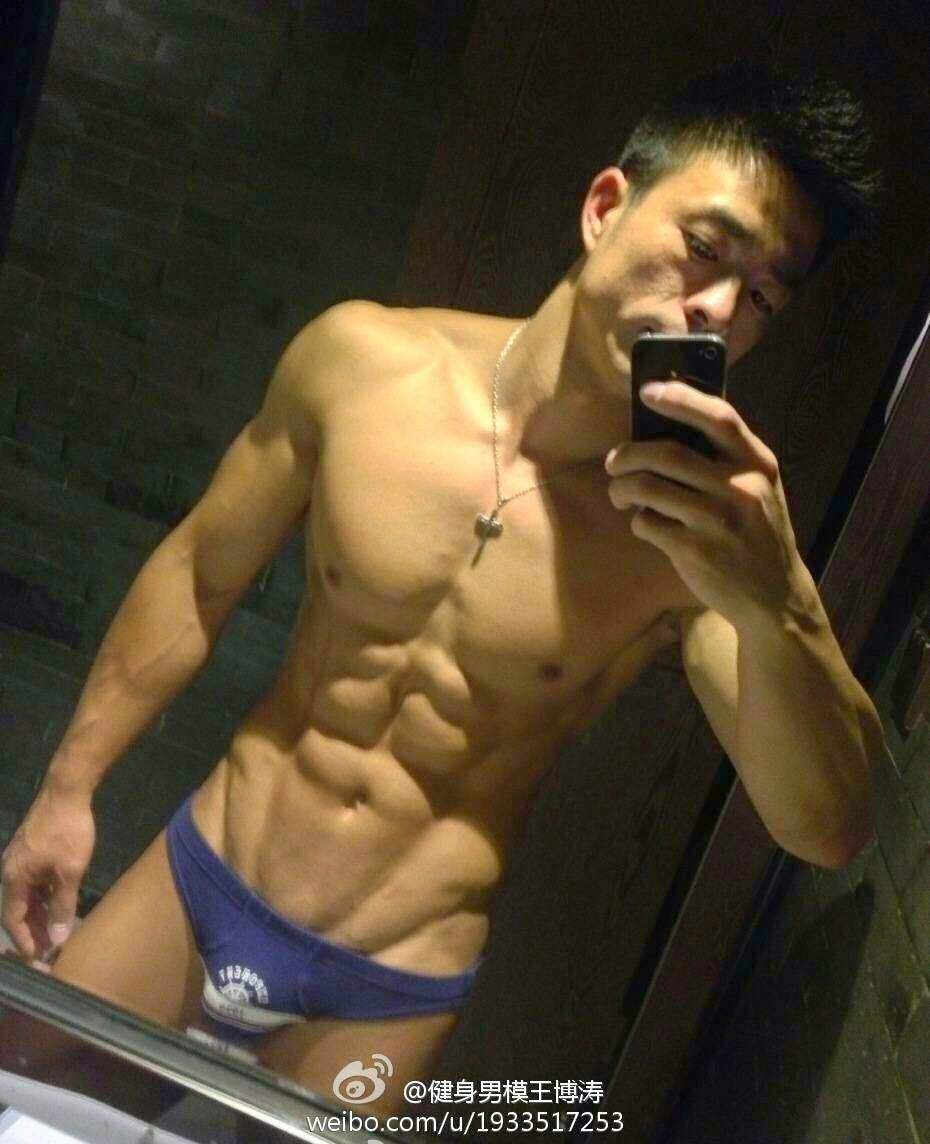 http://gayasianmachine.com/naked-asian-hunk-paul-wang/