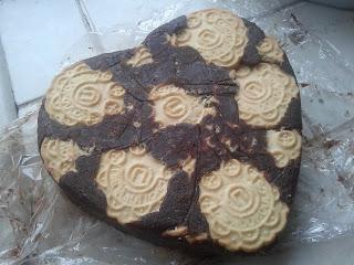 ΜΩΣΑΙΚΟ με γεμιστά μπισκότα 2013-02-14+16.35.16