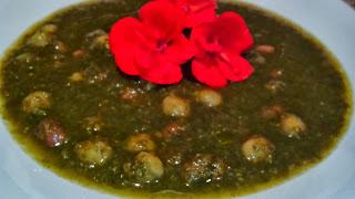 minestra di parietaria e legumi