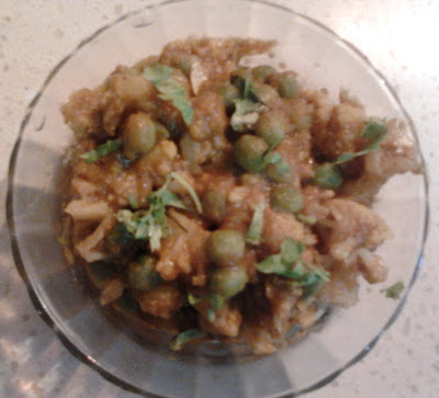 Gobi Matar Masala / Cauliflower and Peas Gravy