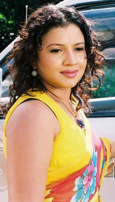 srilanka actress semini iddamalgoda hot photos http://srilankanart.blogspot.com/2011/11/pictures-of-sri-lankan-sexy-actress.html
