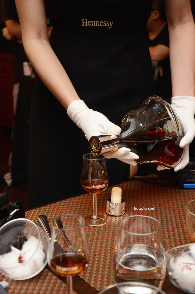 I just love to see how the cognac blend is poured out into the beautiful glass