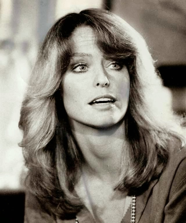The most famous of Charlie's Angels, Farrah Fawcett wore a beautiful blond hair that was all the rage in hair salons all well into their 80s.
