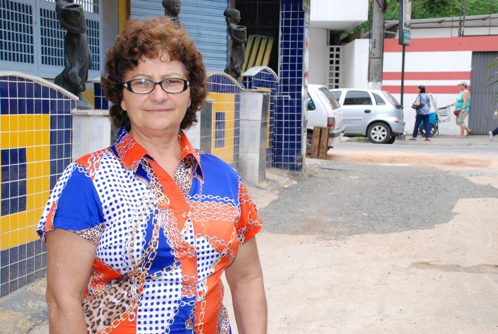 Maria do Carmo Lins da Costa, proprietária de um hotel, no local