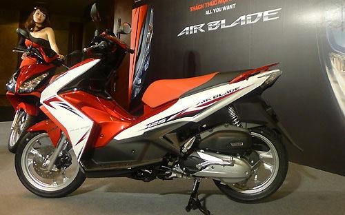 Xe tay ga Air Blade mới có giá từ 38 triệu đồng