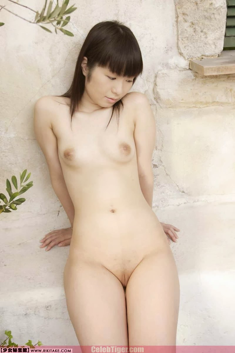 Asian School Girl Tui Kago Nude Outdoor Leaked Photos 2013  www.CelebTiger.com 120 Asian School Girl Yui Kago Nude Outdoor Photos 2013 Part 3