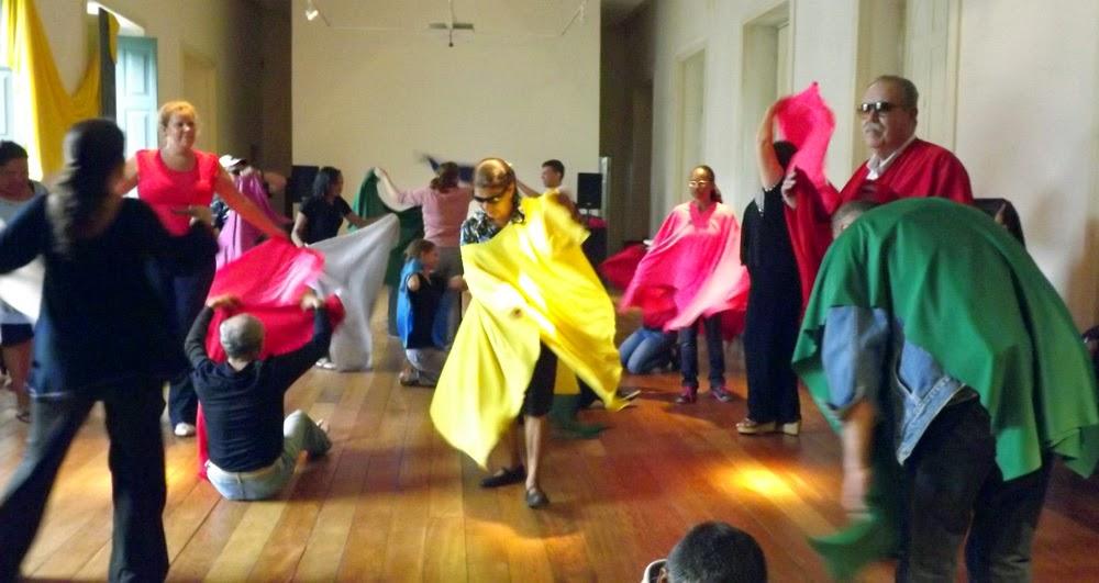Oficina de vídeo-dança com parangolés | Crédito: Divulgação MIS