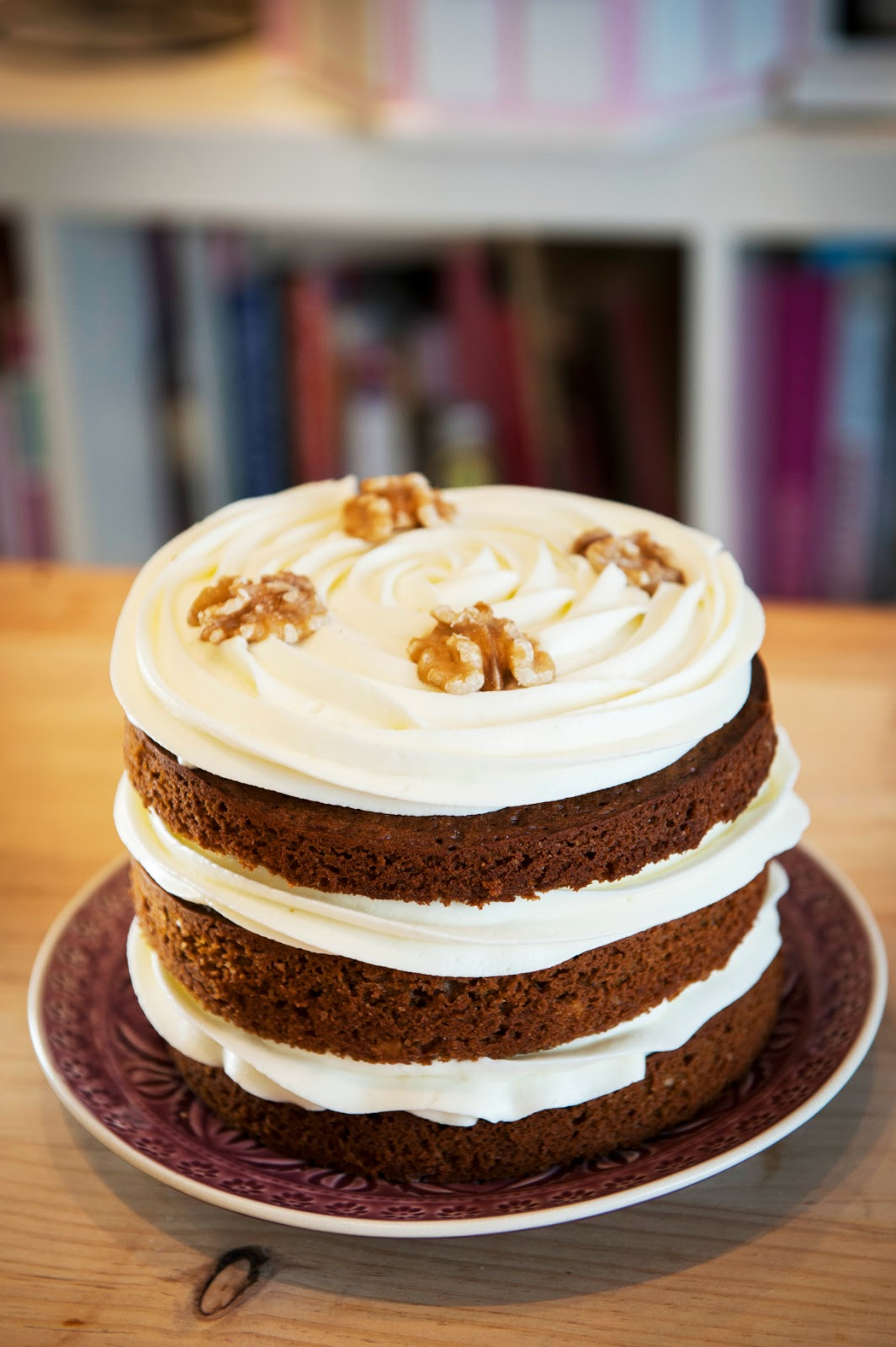 Layer Cake de café, nueces y crema de queso.