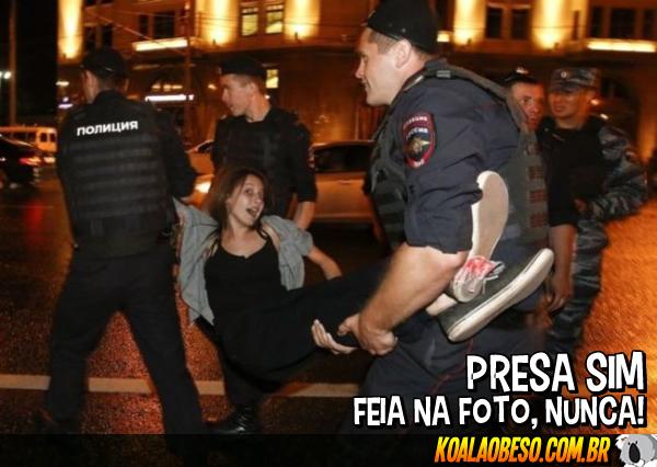 Na Rússia, até preso sai bem na foto
