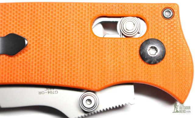Ganzo G704 - Closeup Of Lock