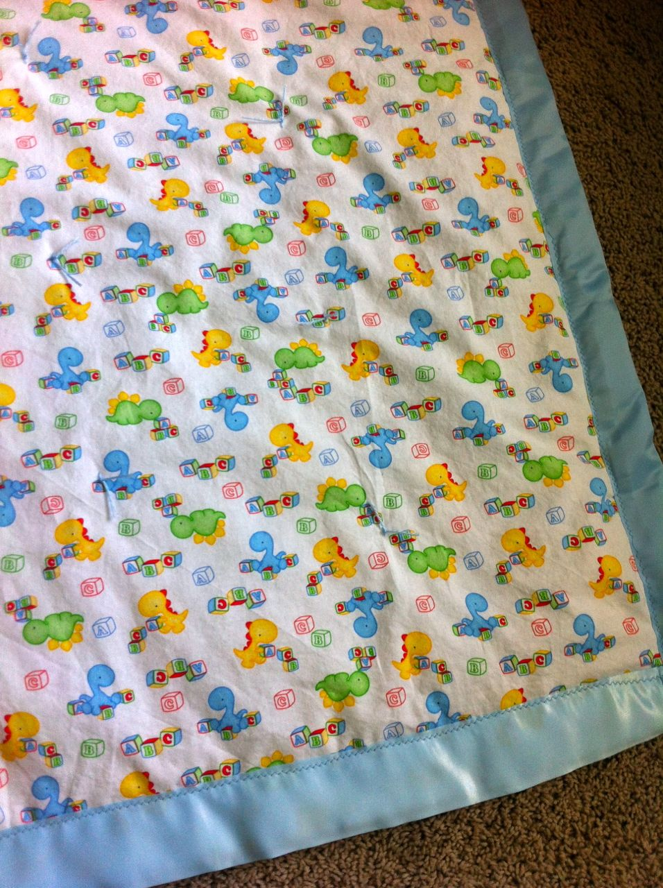 A Song of Sixpence: simple baby  quilt  : dinosaur baby quilt - Adamdwight.com