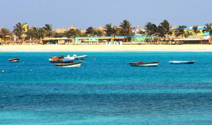 Recifes artificiais na Ilha do Sal estuda benefícios dessas estruturas para o meio ambiente