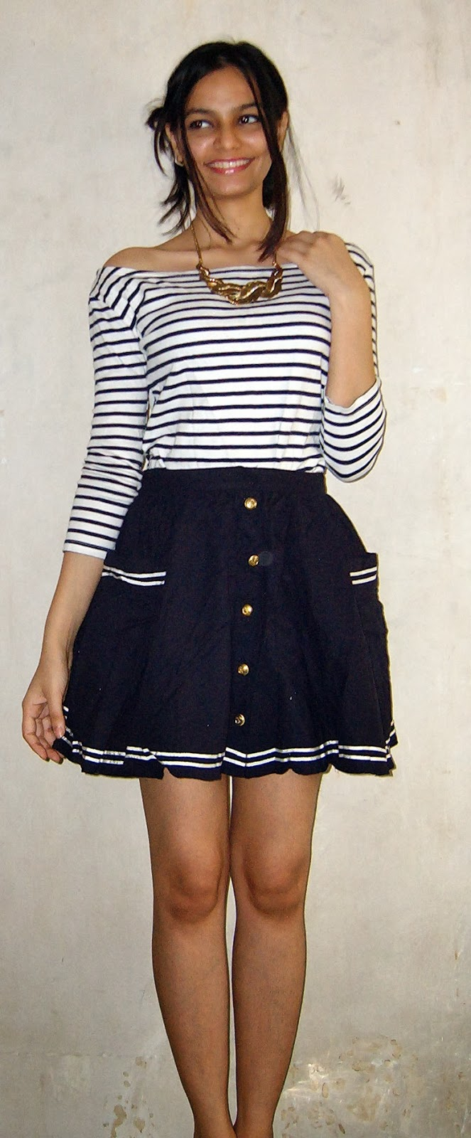 short skirts, topshop skirt, how to style skater skirts, how to wear stripes, white and blue striped shirt, mumbai streetstyle, golden necklace