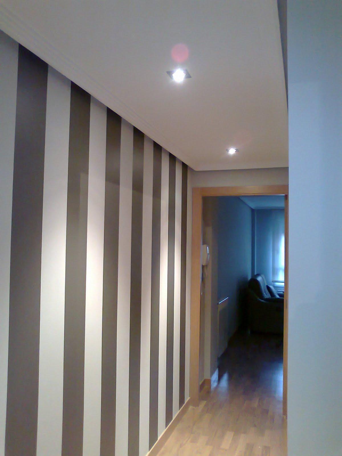 Pinturas aguado s l decoracion rayas pasillo viteri for Colores de moda para pintar pasillos