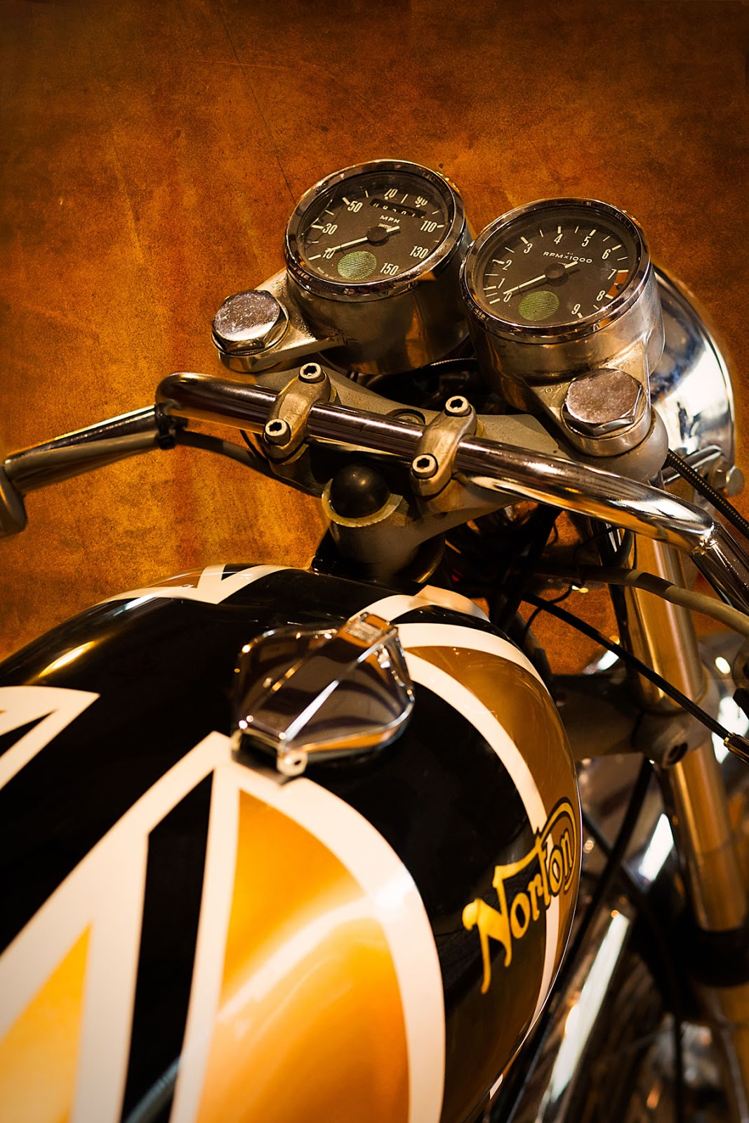 Norton Cafe Racer - Union Jack Gas Tank