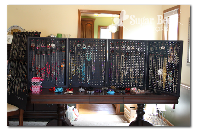 Peg board display case sugar bee crafts for How to make a ring display for craft shows