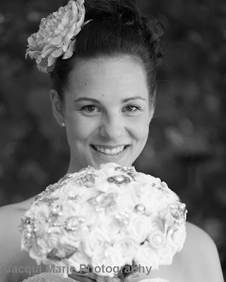 Bridal Portrait, Steeple Court Manor, Botley, Hampshire, button bouquet