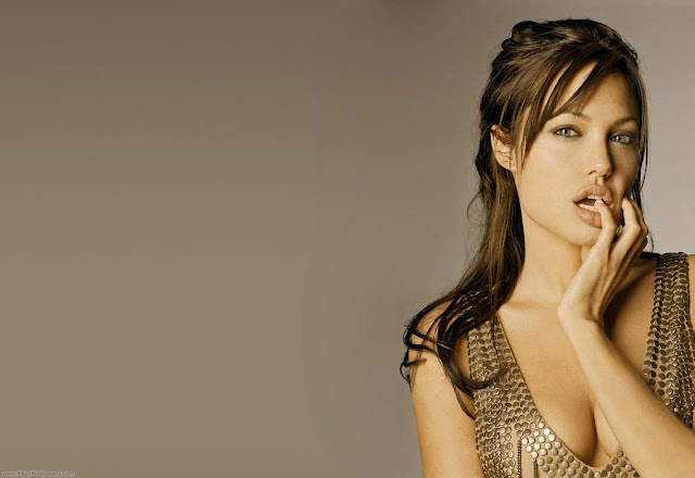 Actress Angelina Jolie Pretty Wallpaper
