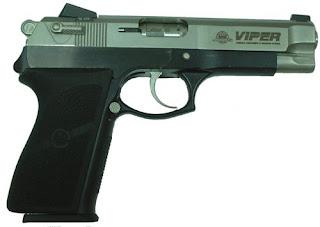 Timbalan pendakwa raya diacu pistol
