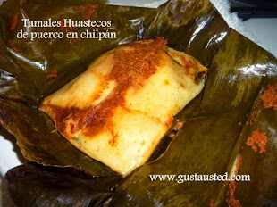 Tamales huastecos en hoja de plátano