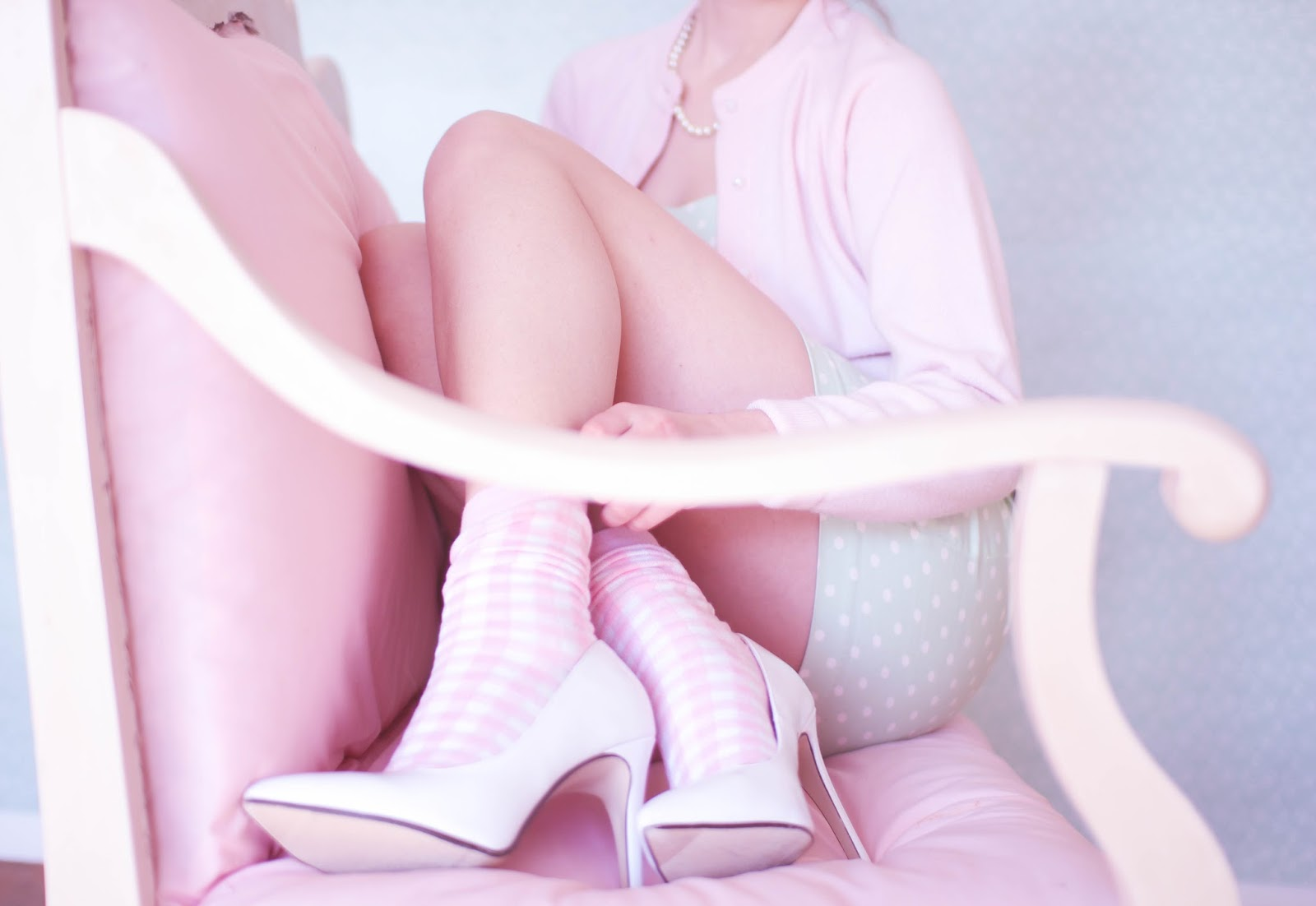 Retro, pastel, outfit, pink, green, mixed prints, cotton candy, girly, Drive, drive movie, femme fatale, sweet, vintage, DIY, backdrop