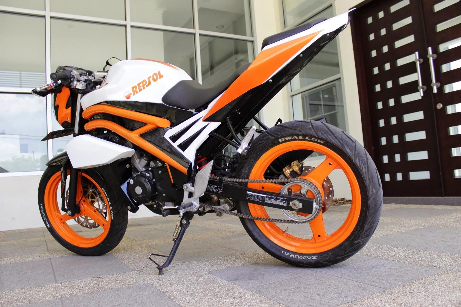 Blog Modifikasi Motor: Modifikasi Honda CB150R StreetFire